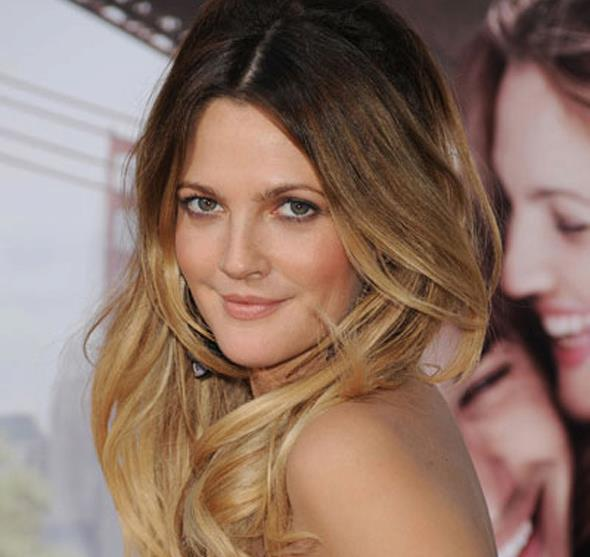 Balayage effect but instead of natural highlights it is a more of a block of lighter colour on the ends. This look was made famous by Drew Barrymore.